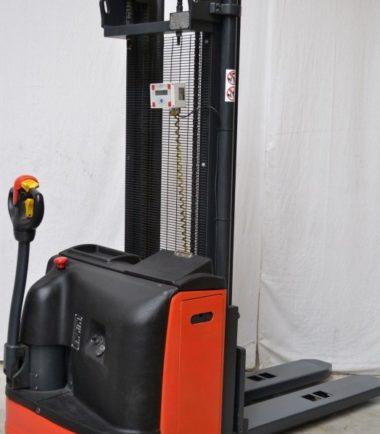 Електрически стакер 2000 kg OM CN20
