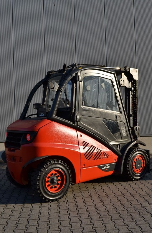 Дизелов мотокар 4000 кг Linde H40D-01 394