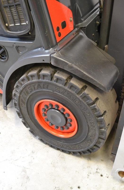 Дизелов мотокар 3500 кг Linde H35D-01 393