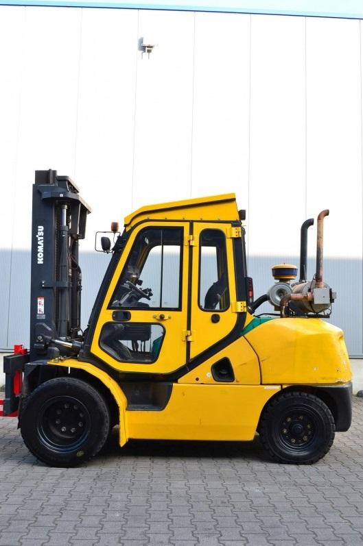Дизелов мотокар Komatsu FD45T 10 4500 kg