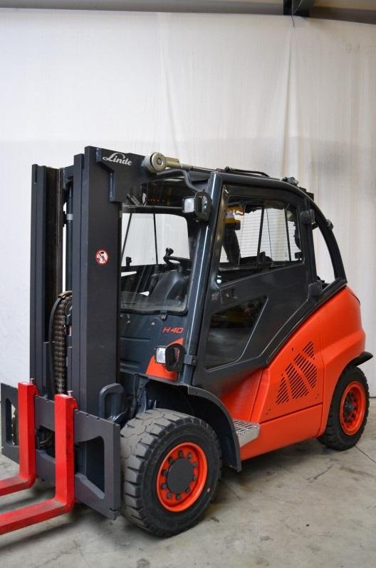Дизелов мотокар Linde 4000 kg контейнерно изпълнение