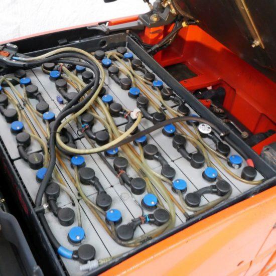 Електрокар 4-опорен Linde E20PH 386