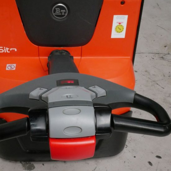 Електрическа количка BT LWE200 2000кг
